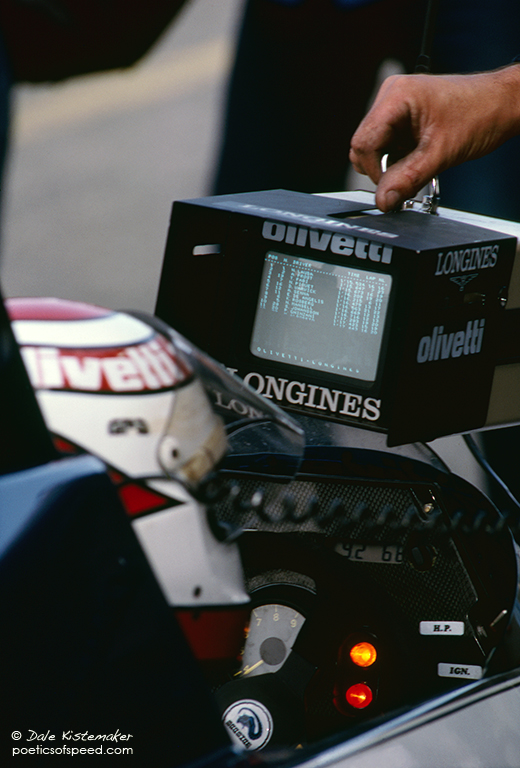 piquet.cockpit.monitor.sign