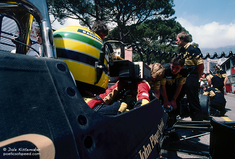 senna.monitor.crew.sign