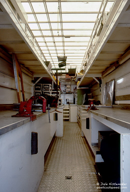F1 trailer workshop british grand prix 1983 poeticsofspeed for Rv workshop