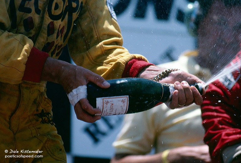 rosberg.podium.champagne.dal84sign